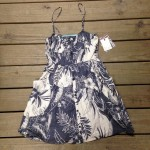 This Billabong dress is as fresh as a tropical breeze through the palm trees!